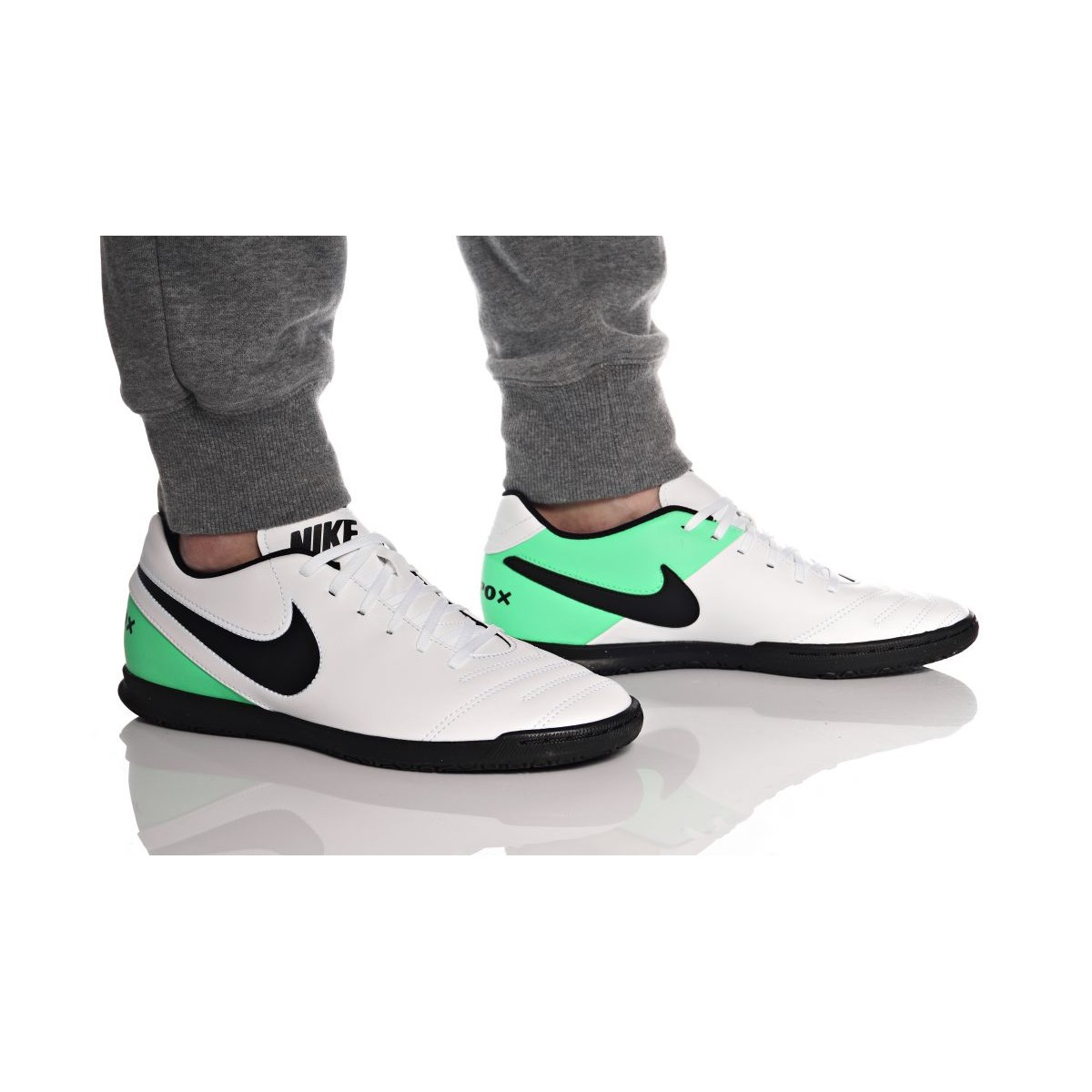 ... Nike Niño TiempoX Rio III IC Fútbol Sala 819234 103 ... 38b106c33aea5