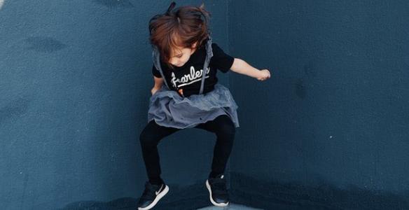 La importancia de comprar unas buenas zapatillas de niño y niña